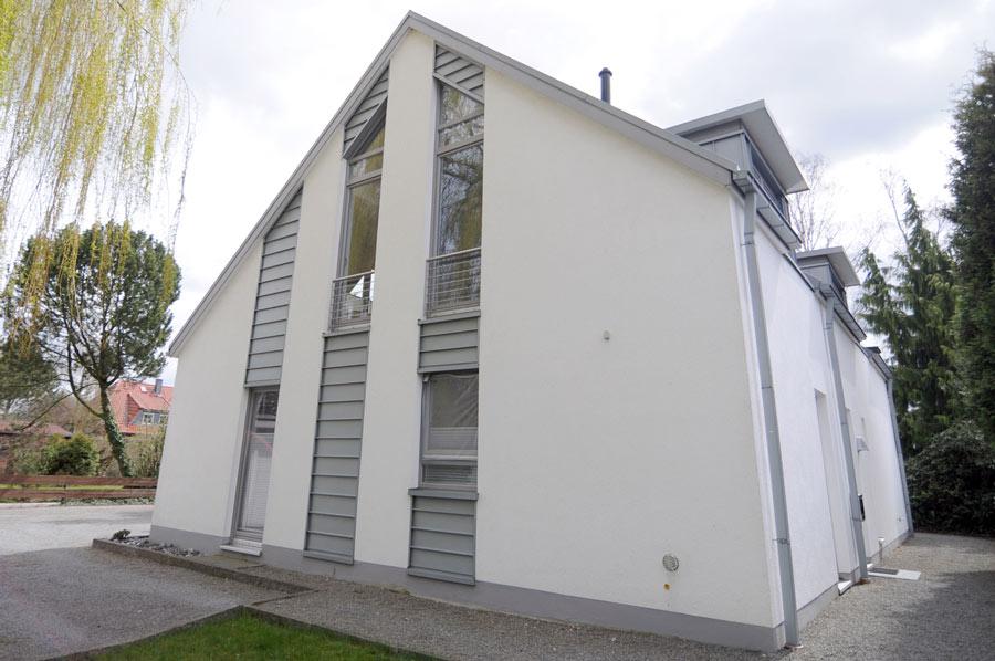 DSC_5294_b-Individuelle-Fassadengestaltung-mit-Titanzink-Stehfalzscharen